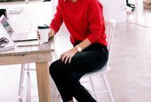 calca preta blusa vermelha