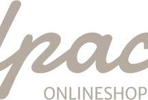 Alpaca-Onlineshop / Wir vertreiben hochwertige Naturtextilien, welche seit 1989 zu fairen Bedingungen in unserem Familienbetrieb in Perú gefertigt werden. Wir sind sowohl Produzent als auch Distributor hochwertiger Alpaka Qualitätsprodukte aus Perú.  Unser Sortiment umfasst die in Europa bekannte Marke APU KUNTUR sowie die weltweit bekannte Marke KUNA.  Wir freuen uns auf Sie!  www.alpaca-onlineshop.com