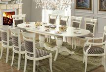 Rad-Pol - stylowe meble / Rad-Pol oferuje swoim klientom szeroki asortyment stylowych mebli włoskich, dzięki którym wyposażyć mogą jadalnie, sypialnie, gabinety oraz kuchnie, a komfortowe kanapy i fotele, wygodne krzesła, szezlongi, stoły i stoliki w świetle stylowych lamp i otoczeniu eleganckich dodatków będą inspiracją do aranżacji przestrzeni we własnym domu.
