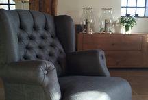 Woonboerderij in Drente by MaisonManon / In deze woonboerderij hebben we vandaag de meubels geleverd. De volgende stap zijn de accessoires. Deze dame heeft gewacht tot de meubels er waren om daarna te gaan kijken voor de accessoires.