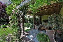 Tuinen met veranda & buitenverblijf / Tuinen met veranda's of andere overdekte buitenverblijven