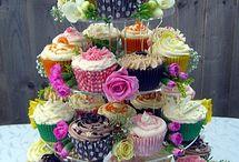 Wedding in September / September wedding ideas. Wedding breakfast and wedding favours.
