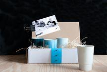 Custom made / mooie handgemaakte relatiegeschenken en accessoires gemaakt door onze mensen met een afstand tot de arbeidsmarkt. Keramiek, hout, textiel. allemaal ambachten in samenwerking met bekende dutch designers, Floris Hovers, Sander Luske, Ruud Jan Kokke en Pascal Mulder
