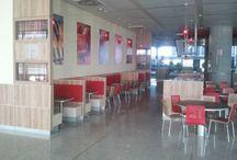 Proyecto de iluminación led en restaurante Burger King, Aeropuerto Málaga / Ahorro energético de un 65% con la instalación de iluminación led en cocina, comedor y zona de cajas del Burger King del Aeropuerto de Málaga. http://www.luzledproyectos.com/proyecto-de-iluminacion-led-en-restaurante-burger-king-aeropuerto-malaga/