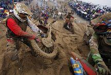 Motorcycles / by Hung Ming Liu