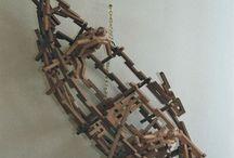 Objecten zelf gemaakt / gemaakt van gezaagde houten latjes