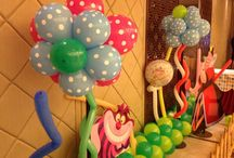 Alice in Wonderland Theme / Jump into the rabbit hole with Alice and make her wonderland come to life at your party!