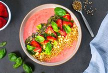 •• Smoothie and smoothie bowl ••