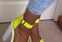 Zapatos de neón