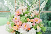 Flowers & bouquets | TopWedding / Flowers make your wedding sweet, all girls love flowers, let's get some wedding flowers for wedding! / by TopWedding