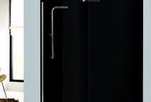 Serie Ekomic / Serie de mamparas Ekomic de medidas estandarizadas pero con sistema de adaptación al espacio de ducha. Incluye sistema Quick System ¡Instalación adhesiva! y Sistema SFR de anclaje de perfiles. ¡Diseño y calidad a precio Low Cost!