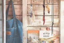 Driftwood / 流木インテリア / LIMIAに投稿された流木を使ったDIYアイディアなど✨ Ideas for DIY using driftwood posted on LIMIA. https://limia.jp/keywords/2880/  インテリア クローゼット DIY カリフォルニア レイアウト 多肉 100均 簡単 タイル 飾り棚 キャンプ 照明 賃貸 流木 拾い driftwood mirror glasses table christmas tree wall art decor stain weathered wood stain crafts frames tree paint designs pieces