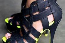 Adoro sapatos / Sapatos que gostaria de ter