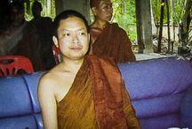 Jetset-monnik Luang Pu Nen Kham geeft zich over