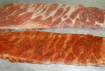 """How to Cook BBQ Pork Spare Ribs With Dry Rub Seasoning / Cooking tender Texas barbeque pork ribs is not rocket science. Anyone can do it. Dry rub seasoning and """"Slow and Low"""" smoked cooking is the key.  Here is our fool-proof method for smoking a great rack of ribs. For more detailed instructions, we have cooking videos and instructions to walk you though all the steps.  Visit www.texasbrosbbq.com for more."""