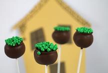 Cupcakes + Cake Pops + Cookies = OMG!!