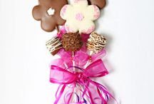 Cookie Bouquets / Christy's Gourmet Gifts | A great alternative to traditional flowers - and a lot sweeter! :)