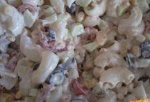 Tuňák a jiné saláty s těstovinami