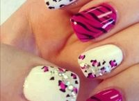Nails Nails Nails / by Jessica Martinez