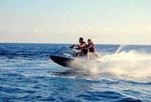 actividades en las playas / actividades de aventura y ocio en las playas de España: motos de agua, snorkeling, canoas, veleros, yates, surt, paddle stand up, mojitos, inflables y más