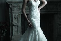33 Breathtaking Mermaid Gowns / Mermaid wedding dresses are more in fashion than ever. Show off your beautiful figure in our collection of mermaid bridal dresses.