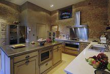 Cuisine Détails Pierre / Pour une cuisine traditionnelle et chaleureuse, optez pour une décoration de pierre.