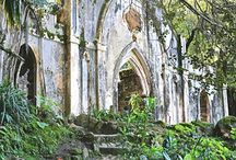 Monserrate Enchanted Chapel / Monserrate Chapel is exotic and super exclusive! It's he perfect scenario for your wedding ceremony in Portugal info@weddingvenuesportugal.com www.weddingvenuesportugal.com #penapalace #penapalacewedding #penapalaceweddings #destinationwedding #weddingvenuesportugal #portugalweddings #weddingvenues #weddingsinportugal
