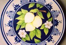 Studio C / Peças em cerâmica pintadas à mão. Vendemos pelo site www.elo7.com.br/studioc ou por WhatsApp (55 18 997101508