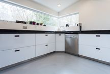 Minimalist Kitchens / Resin floors create the perfect canvas for stylish, minimalist kitchens - be inspired!