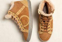 Playhat SHEEP SKIN / Sneakers in montone con lacci in pelle o in cotone. La vera sneakers antifreddo dall'aspetto gipsy!