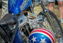 Two Wheels ride / Two Wheels ride, Harley Davidson and Sweet English and older Jap bikes.