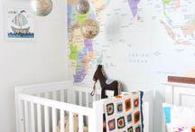 Földgömbök, térképek a lakásban