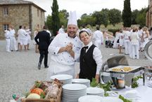 Italian Food / First class Italian food is an absolute must have for a wedding in Italy. From excellent wine over Italian specialties up to delicious desserts: an exquisite Italian dinner rounds off every reception!