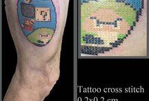 Tattoo cross stitch / Tatuaggi pixel e punto croce