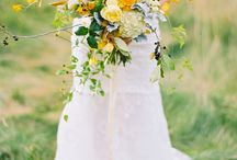 Fall wedding with yellows, purple and aspen leaves