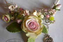 colar belo de flores de biscuit