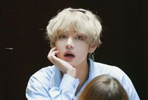 Kim Taehyung / ✨taehyung is so effortlessly beautiful that he truly belongs in an art museum where people can only stare in awe at his beauty✨