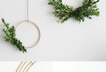 DIY | wreaths & garlands / Love wreaths and garlands made of greenery? Here is a collection of DIY wreaths and garlands that you can make for any occasion.