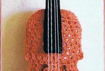 violino all'uncinetto