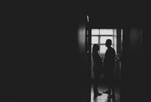 """Сборы индивидуальные / 1)Показ локации 2)Портрет собирающегося поясной крупности у окна 3)ростовой портрет 4) Кадр с гостями/родными - смотря кто участвует в сборах. 5) Творческий кадр """"двойная история"""" 6)Детали 7) Встреча невесты и жениха. Я выбирала максимально абстрактные кадры,не рефы,которые я буду повторять со 100% точностью,а узелки на память - снять портрет,снять детали и тд,которые можно использовать в разных локациях с разным светом."""