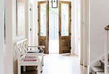 entrances/foyers