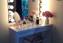 Makeup table / Makeup