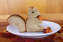Kids' Lunches  XXO / by Claudi Gallagher