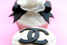 cakes & cupcakes  / by Anabela Antunes