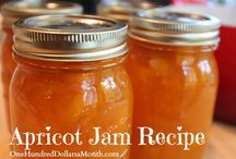 Preserves and Jams / Everyting in a bottle