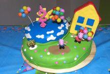 Cake, Torta / Torta con crema pasticciera e fragoline, ricoperta con pasta di zucchero a tema Peppa Pig, fatta per i 2 anni della mia bimba.
