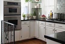 Kitchen / by Julia Parton