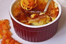 créme brulée alla papaya aromatizzata all'arancia e vaniglia / Avete voglia di crème brulée ma credete che non sia ancora la stagione giusta? Prepariamola in versione estiva, con papaya e scorza d'arancio. Se volete, potete