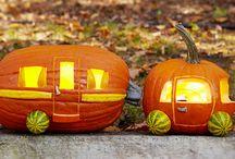 Caravanes d'Halloween / Des caravanes sur le thème de la fête d'Halloween