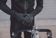 Isadore Apparel - Bike Accessories / THE RANGE OF ISADORE CYCLING ACCESSORIES IS HERE TO PROVIDE YOU WITH THE FUNDAMENTALS WHILE FIGHTING ALL THE ELEMENTS THROWN AT YOU DURING YOUR RIDES
